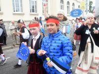 041 Pärnu linn XII noorte laulupeo rongkäigus. Foto: Urmas Saard