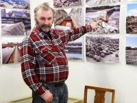 020 Pärnu Y-klubi Sindi muuseumis Helen Parmeni näitust vaatamas.   Piia Karro-Selg. Foto: Urmas Saard / Külauudised