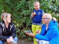 011 Pärnumaa naiskodukaitse tähistas vanavanemate päeva