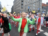 016 Pärnumaalased XII noorte laulupeo rongkäigus. Foto: Urmas Saard