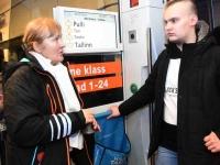 049 Pärnust Tallinna väljunud viimasel reisirongil. Foto: Urmas Saard
