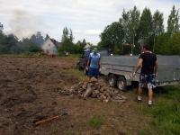 009 Esimesed suured talgud tulevasel Sindi jalgpallistaadionil. Foto: Marko Šorin