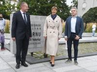 009 President Kersti Kaljulaid Iseseisvuse väljakul. Foto: Urmas Saard / Külauudised