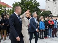 010 President Kersti Kaljulaid Iseseisvuse väljakul. Foto: Urmas Saard / Külauudised