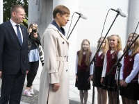026 President Kersti Kaljulaid Iseseisvuse väljakul. Foto: Urmas Saard / Külauudised