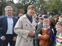 032 President Kersti Kaljulaid Iseseisvuse väljakul. Foto: Urmas Saard / Külauudised