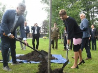 013 President Kersti Kaljulaid Pärnu Rannapargis. Foto: Urmas Saard / Külauudised