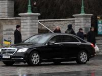011 President Zelenskõi asetab pärja Vabadussõja võidusambale. Foto: Urmas Saard