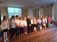 010 Teise klassi õpilased tutvustavad Sindi linna saksa keeles. Foto Tiia Reiksaar