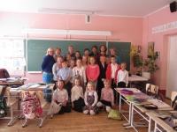 011 Sindi Gümnaasiumi saksa keele klassis koos õpetaja Eneli Arusaarega. Foto Tiia Reiksaar