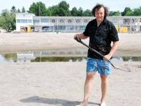 003 Rait Pärg tähistab oma juubelit Pärnu rannas skulptuuride valmistamisega. Foto: Urmas Saard