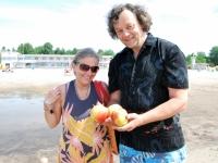 018 Rait Pärg tähistab oma juubelit Pärnu rannas skulptuuride valmistamisega. Foto: Urmas Saard