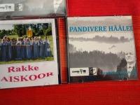 Rakke naiskoori DVD ja DVD Panivere hääled. Foto: Jaan Lukas