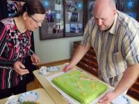Urmas Varris toob Krullikohvikust sünnipäeva tordi muuseumisse