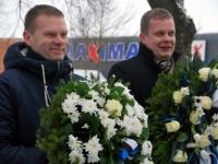002 Relvarahu aastapäeval Pärnus Alevi kalmistul Foto Urmas Saard