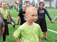 001 Sindi gümnaasiumi 1. ja 2. klassi segarühm Tallinnas. Foto: Urmas Saard