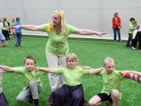 004 Sindi gümnaasiumi 1. ja 2. klassi segarühm Tallinnas. Foto: Urmas Saard