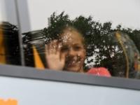 033 Sindi gümnaasiumi lapsed teel laulupeole. Foto: Urmas Saard
