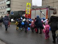 036 Sindi lasteaed tähistab koduriigi 102. sünnipäeva. Foto: Urmas Saard