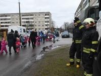 037 Sindi lasteaed tähistab koduriigi 102. sünnipäeva. Foto: Urmas Saard