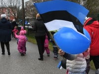 039 Sindi lasteaed tähistab koduriigi 102. sünnipäeva. Foto: Urmas Saard