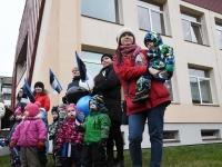 047 Sindi lasteaed tähistab koduriigi 102. sünnipäeva. Foto: Urmas Saard