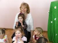 014 Sindi lasteaia 125. sünnipäeva pidu sõimerühma mudilastega. Foto: Urmas Saard