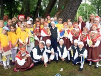 009 Sindi linn XII noorte laulupeo rongkäigus. Foto: Urmas Saard