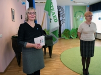 001 Sindi linnaraamatukogu tunnustab väikseid joonistajaid. Foto: Urmas Saard