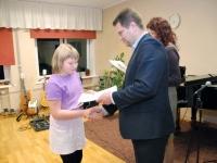 007 Sindi linnavalitsus tänab muusikakooli. Foto: Urmas Saard