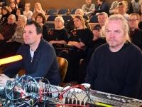004 Sindi muusikakooli kingitus saja-aastasele Eesti Vabariigile. Foto: Urmas Saard
