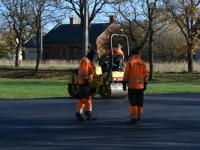 001 Sindi uue skatepargi asfalteerimine. Foto: Urmas Saard