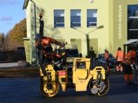 003 Sindi uue skatepargi asfalteerimine. Foto: Urmas Saard