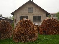 Tänasel suvistepühal võib vaja minna ka küttepuid. Riidad Kassinurme külas. Foto: Jaan Lukas