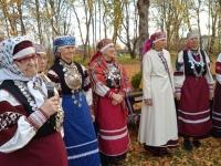 Tartumaa setode leelokoor Ilolang ja eeslaulja Maria Noormets. Foto: Jaan Lukas