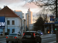 004 Tartu tänavatel jalutades. Foto: Urmas Saard
