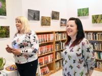 003 Triin Lillemetsa näituse avamine Sindi linnaraamatukogus. Foto: Urmas Saard