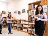 005 Triin Lillemetsa näituse avamine Sindi linnaraamatukogus. Foto: Urmas Saard