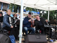 003 Vaba Rahva Laul Haapsalu Piiskopilinnuse õuel. Foto: Urmas Saard / Külauudised