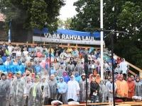 004 Vaba Rahva Laul Haapsalu Piiskopilinnuse õuel. Foto: Urmas Saard / Külauudised