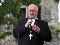 007  Tiit Salumäe.  Vaba Rahva Laul Haapsalu Piiskopilinnuse õuel. Foto: Urmas Saard / Külauudised