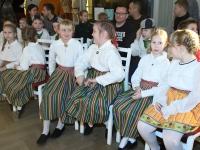 001 Vaba Vanker Raeküla Vanakooli keskuses. Foto: Urmas Saard