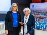 Justiitsminister Maris Lauri ja MTÜ Konstantin Pätsi Muuseumi auliige Elle Lees. Foto: Arno Mikkor