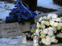 009 Vabadussõja 100. aastapäeva hommikul Sindi Vanal kalmistul. Foto: Urmas Saard