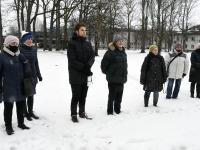 Vabariigi 103. aastapäeval Mihkel Mathieseni monumendi juures. Foto: Urmas Saard / Külauudised