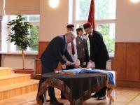 4 Vabariigi lipu õnnistamine Jakob Westholmi gümnaasiumis. Foto: Kaia Rikson
