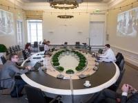007 Videokonverents regioonide juhtidega. Foto: Stenbocki maja