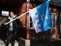 006 Märten Hermik Metsküla algkooli lipuga. Foto: Urmas Saard