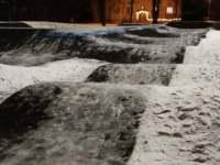 Viljandi pumptrack'i jääga katmise esimese päeva õhtul. Foto: Kristi Seppa
