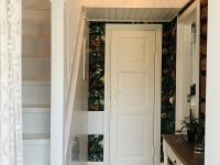 Trepp teisele korrusele külaliste magamistuppa. Foto: Veronika Kookmaa